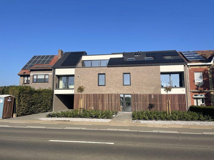 Prachtig 2SL- gelijkvloers appartement in een kleinschalige residentie te Riemst.<br /> <br /> Aan de Maastrichtersteenweg 131 in Vroenhoven vinden we