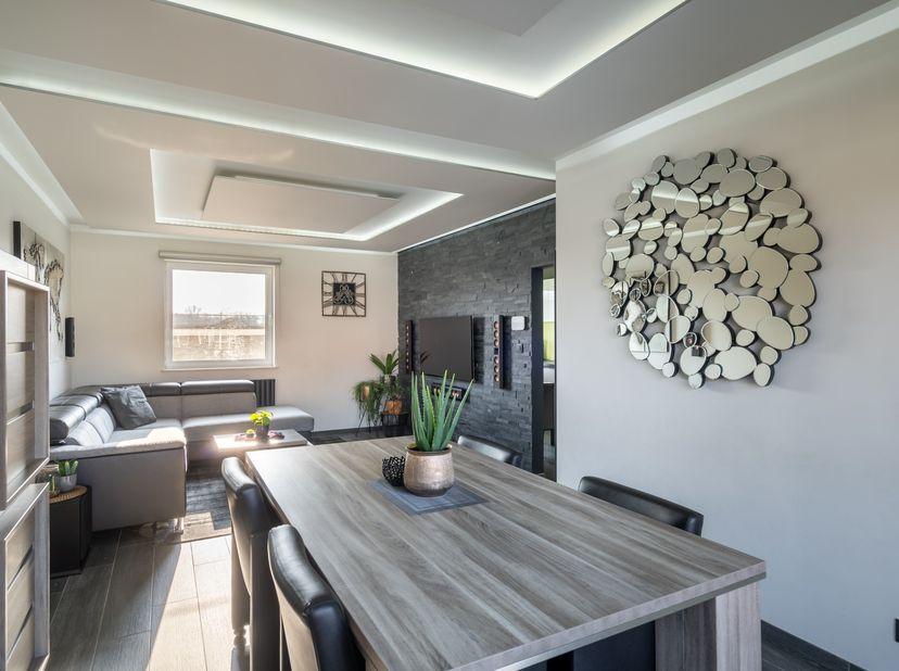 prachtig, instapklaar duplex appartement te koop op de koolmijnlaan te houthalen, volledig gerenoveerd met duurzame materialen.<br /> de gemeenschappe