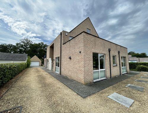 Handelspand met woonst te koop in Hasselt, € 649.000