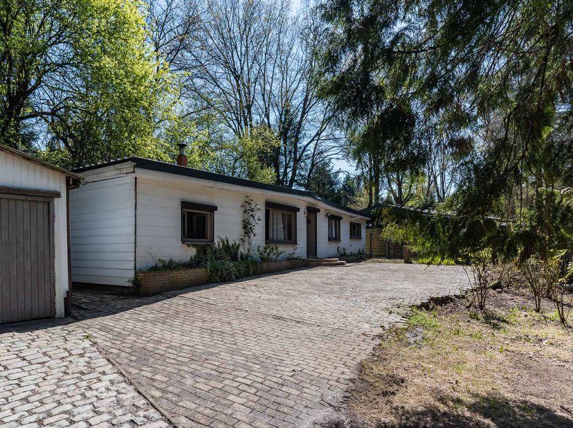 Een vakantieverblijf, omvattende een woonkamer, keuken, badkamer (met lavabo en douche), 3 slaapkamers en een berg- en wasruimte.  <br /> Geen perman