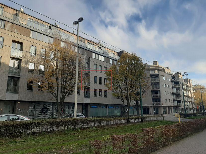 Cet appartement attrayant et lumineux est dans un emplacement privilégié: Oud-Berchem. Ce quartier a été grandement amélioré par divers nouveaux proje