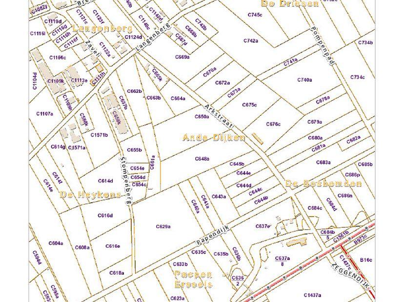 """Rustig gelegen LANDBOUWGROND (""""Oude Dijken"""") met een grootte van 3ha 23a 44ca. Sectie C nrs. 0648AP0000+0650AP0000. Volgens gewestplan gelegen in agra"""