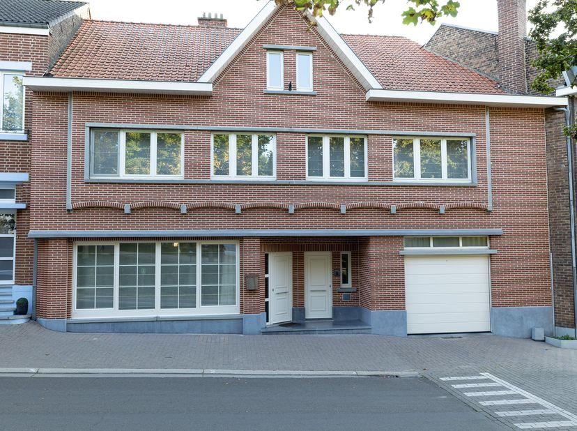 Riant woonhuis met een bewoonbare oppervlakte van 200m (exclusief kelder + zolder die momenteel dienst doet als speelruimte), mooie zwemspa van Gervi