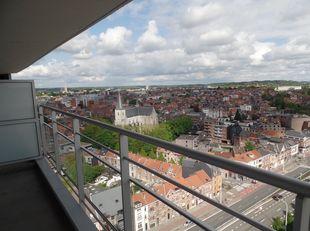 Appartement agréable ; vue fantastique sur la ville de LEUVEN.<br /> Contrat à long terme (3-6-9). Libre à partir 1/12/2020<br /> Cuisine installée, i