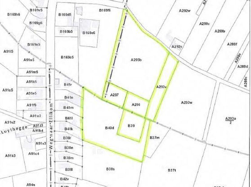 Zes percelen aangrenzende landbouwgrond gelegen te Ellikom met een totale oppervlakte van 2ha 50a 40ca. Lot is bereikbaar via een buurtweg uitmondend