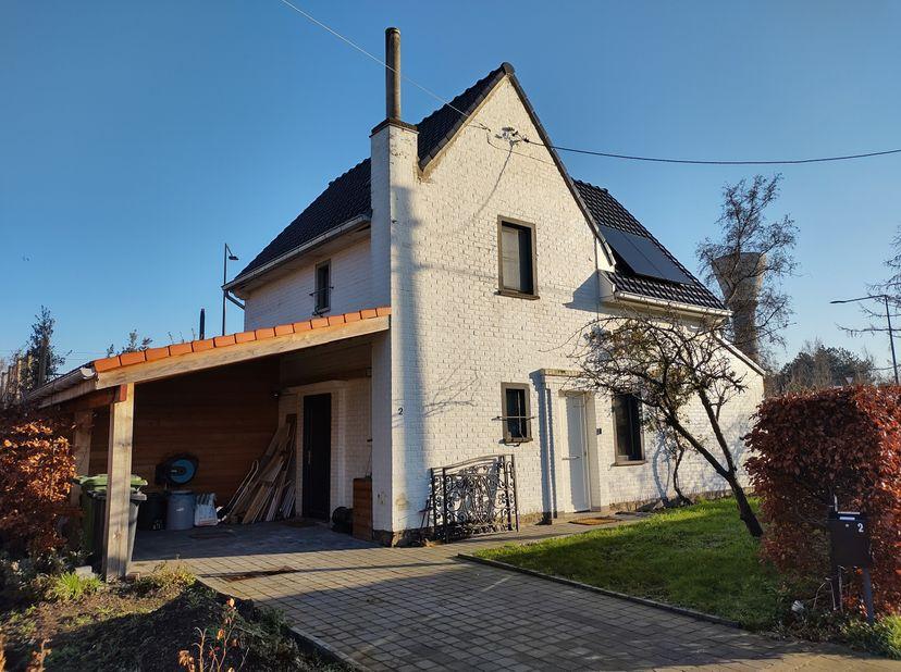 Charmant instap klaar vrijstaand huis aan de rand van Gent met gezellige tuin<br /> <br /> GEEN IMMO AUB.<br /> Wij houden rekening met alle Covid-19