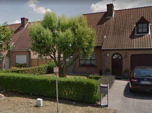 Gezellige gezinswoning in Kuurne met :<br /> Ingerichte keuken - verwarmde veranda - tuin met dubbel terras - ruime garage <br /> 3 slaapkamers - badk