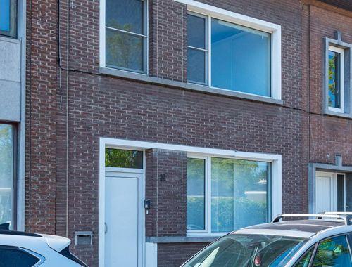 Rijwoning te koop in Antwerpen, € 160.000