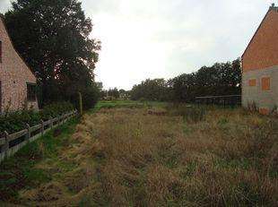 Bouwgrond voor halfopen bebouwing gelegen Kapelstaat 8 Tessenderlo <br /> grootte bouwgrond  7are 43ca (zie lot1 verkavelingsplan)<br /> Is gelegen in