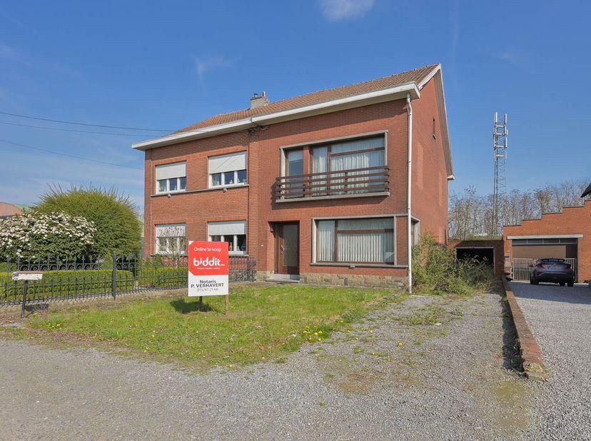 Een woning gelegen te Zemst, 5e afdeling, deelgemeente Eppegem, gekadastreerd sectie D nummer 361Z2P0000, opp. 400m².  <br />  Deze half open be
