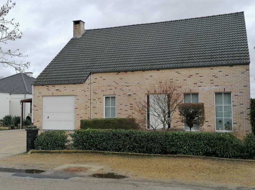 COMPROMIS IN OPMAAK.Perceel 9a89 ca gel Mimosalaan 24 te 3191 Schiplaken. Vlakbij E19 en Stw Mechelen-Leuven. Rustige, bosrijke omgeving (privacy) . H