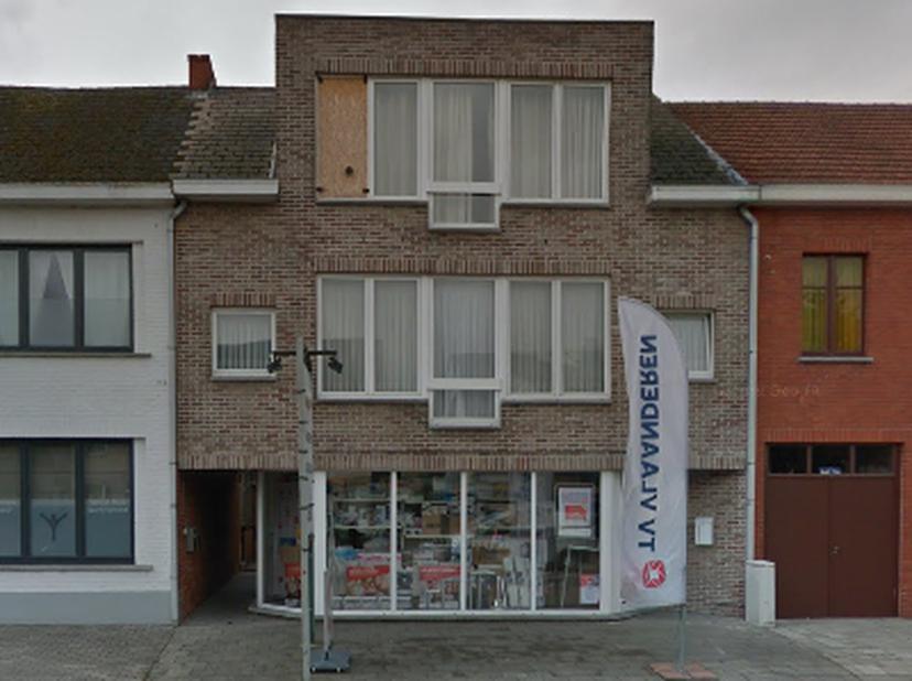 Mooi appartement met 2 slaapkamers gelegen op de 2e verdieping.<br /> Dit appartement is  gelegen aan de Diestersteenweg te Kermt, kortbij winkels. <b
