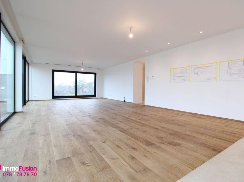 """Bij ImmoFusion  7/7 """"open huis""""  : klik op onze 3D-RONDLEIDING!<br /> Ervaar vastgoed alsof je er zelf doorloopt en bekijk de virtuele tour!<br /> <br"""