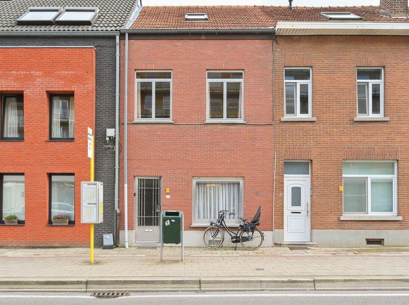CENTRAAL GELEGEN TE RENOVEREN RIJWONING<br /> Nabij Centrum van Leuven, oprit E40 en bedrijvenpark Haasrode.<br /> Bent u op zoek naar een woning op w