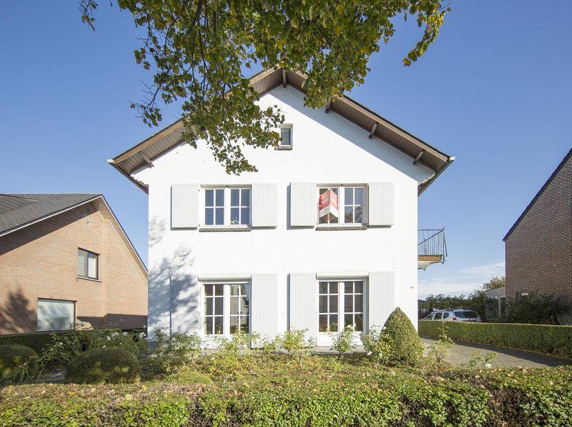 KARAKTERVOLLE WONING<br /> Gemeente KORTENBERG - 2e afdeling - Erps-Kwerps<br /> Een woonhuis op en met grond en aanhorigheden, gekend volgens recente