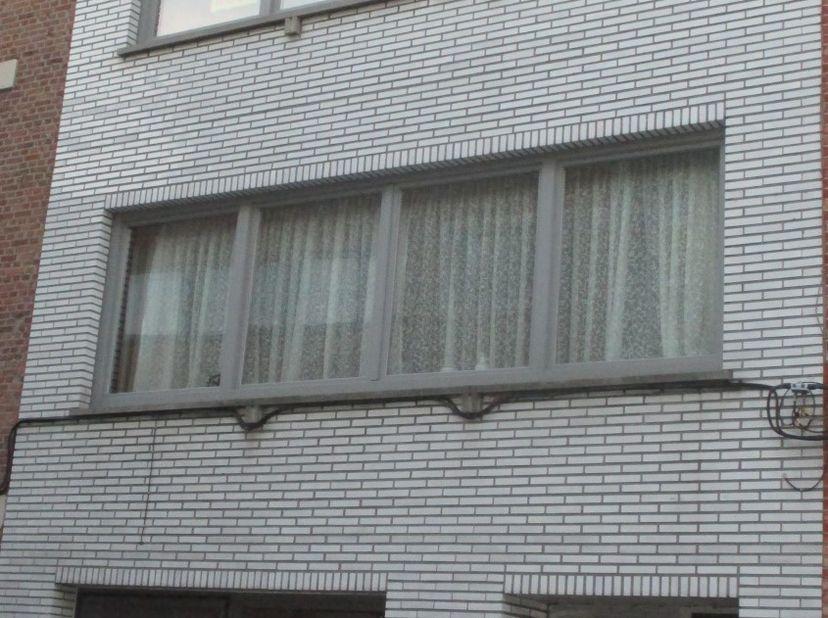 IN OPTIE - Welgelegen appartement op 350 m van Grote markt, 50 meter van Zwartzustersvest en Merodestraat, station Nekkerspoel in de buurt,  oprit aut
