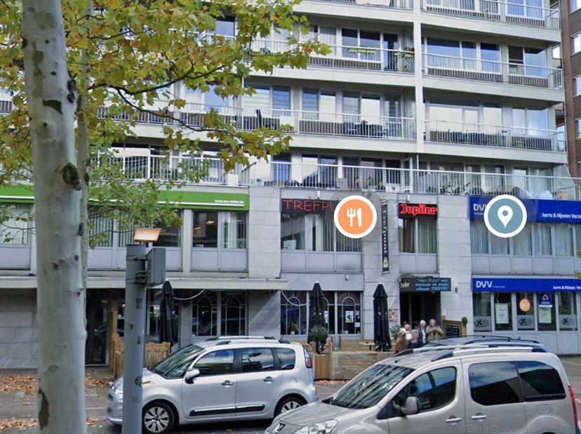 Binnenkort te koop:..........FOTO´S VOLGEN........4 de verdiep... volledig gerenoveerd appartement te Genk op de Dieplaan. 110 vierkante meter, 3 slpk