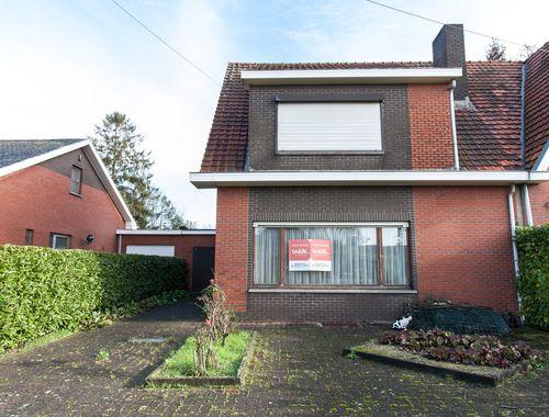Woning te koop in Hove, € 200.000