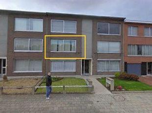 Instapklaar goed onderhouden en uitstekend gelegen energiezuinig appartement met individuele garage. <br /> Dak van het gebouw recent vernieuwd en geï