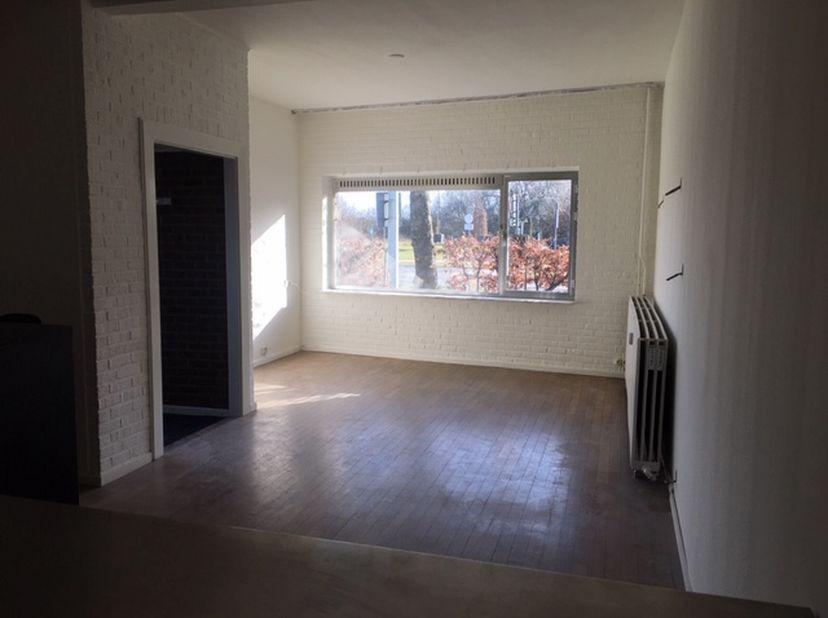Aangenaam zonnig gelijkvloers appartement (70m2) met 1 slaapkamer, tuin, garage en privé ingang  te Veldwezelt Tweede Carabinierslaan 139 aan de golfb