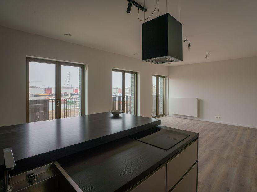 Nieuw appartement met fantastisch uitzicht op jachthaven<br /> <br /> Kom binnen in dit zeer ruime nieuwbouw appartement met uitzicht op de jachthaven