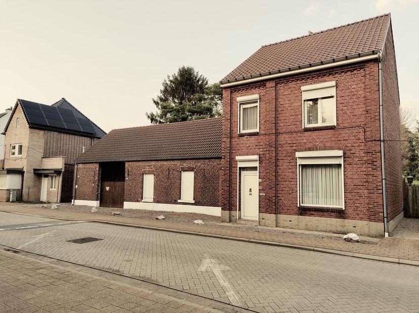 Maison à vendre                     à 3680 Neeroeteren