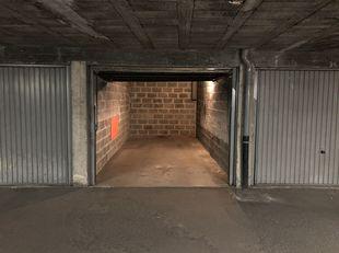 Vlot bereikbare diepe garagebox op niveau -1<br /> 95€/maand + kosten gemeenschap 10€/maand forfait