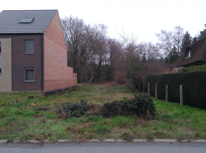 Halfopen bouwgrond 13a84ca in rustige residentiële wijk (Bokrijk)