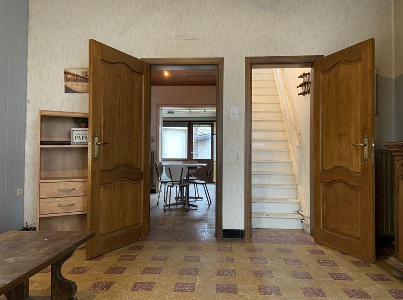 Knus huis met uitstekende ligging. Scherpe prijs!<br /> <br /> Dit charmant huis, op slechts 5 min. van de snelweg naar Antwerpen, Luik en Brussel, is