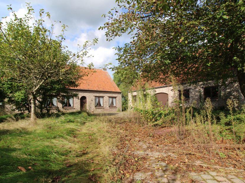 ONLINE VERKOOP BIDDIT <br /> Een woning met tuin <br />  <br /> Stad MERELBEKE - vijfde afdeling - MUNTE:   <br /> 1. Een woonhuis, gekadastreerd volg