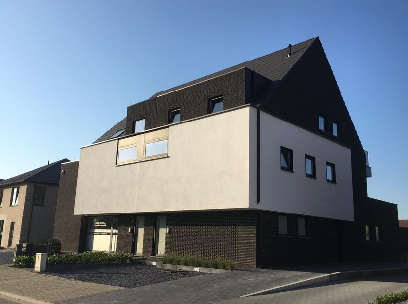 Algemeen<br /> Zeer energiezuinig gelijkvloers nieuwbouw appartement (+/- 103m²)  in het centrum van Meeuwen, maakt deel uit van kleinschalig project
