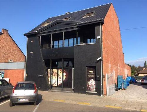 Commercieel Gebouw te huur in Genk, € 2.500