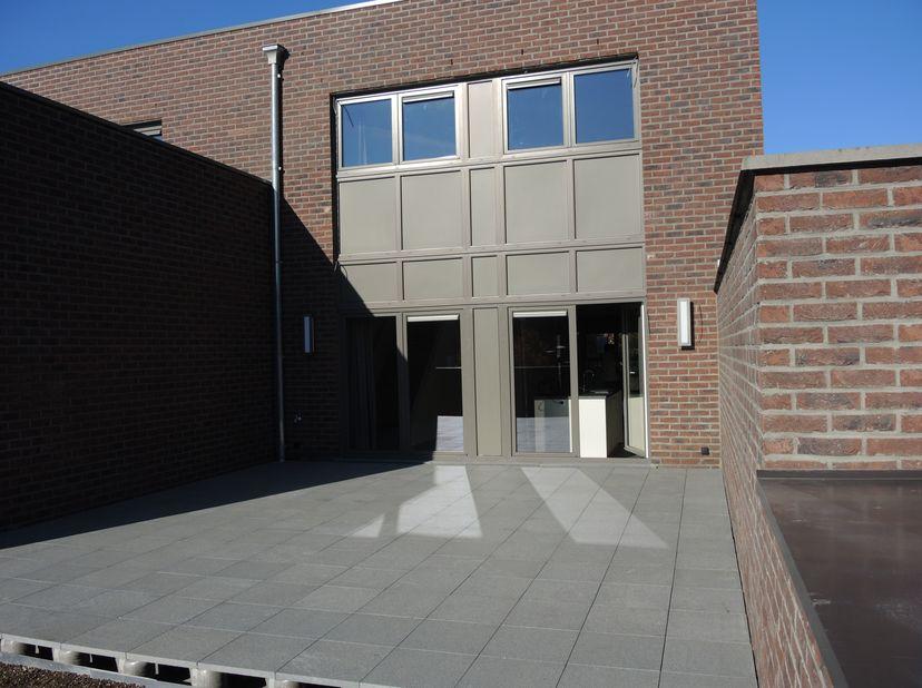 Ruim appartement 150m²<br /> <br /> <br /> Dit mooi appartement is gelegen in het centrum van Peer. Het is voorzien van een grote leefruimte met open