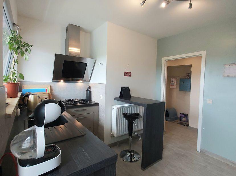 Cosy, recent gerenoveerd, instapklaar, lichtrijk appartement in rustig gelegen gedeelte van Diegem (Machelen) met privétuin van  60m2  én  3  garages.