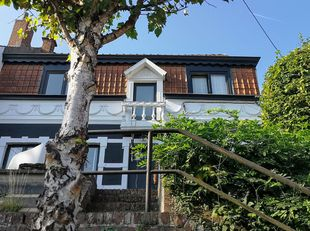 Huis kompleet renoveert in 2016 energie verbruik heel laag kadaster laag 5 kamers 1 bureau 2 badkamers 3wc voor en achter tuin garage werkruimte 100m