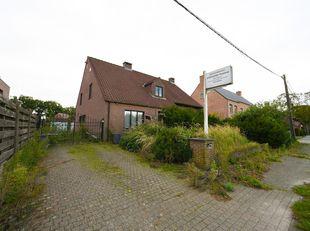 VRIJSTAANDE WONING<br /> Landelijk gelegen vrijstaande woning, met ruime tuin en aparte garage.<br /> Stedenbouw: Vg 10/08/1992 (bouwen woning), deels