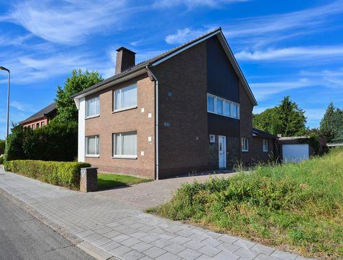 Maison à vendre à Overpelt, € 150.000