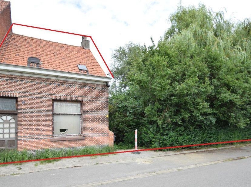 Met tuin met een gezamenlijke oppervlakte 409 m². Niet-geïndexeerd kadastraal inkomen -  234. <br /> Bezoek:<br /> zat. 02/10, 09/10, 16/10 van 14u-1