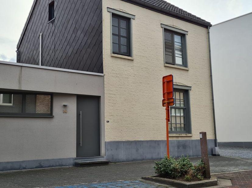 Karaktervolle herenwoning gelegen in het centrum van Tessenderlo. <br /> Deze herenwoning met drie slaapkamers is gelegen in het centrum van Tessender