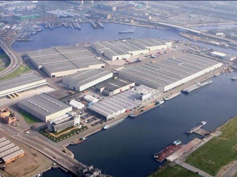 Bien professionnel à louer                     à 2030 Antwerpen