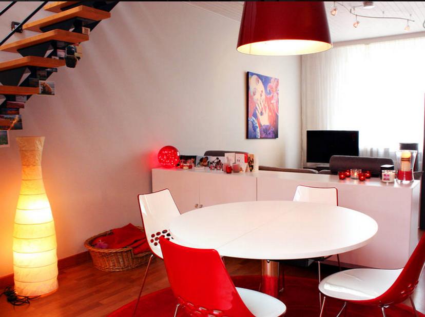 Lichtrijk en volledig gerenoveerde eengezinswoning te huur op toplocatie in Zwijnaarde<br /> <br /> Locatie³! <br /> Kies je voor het huren van mijn h