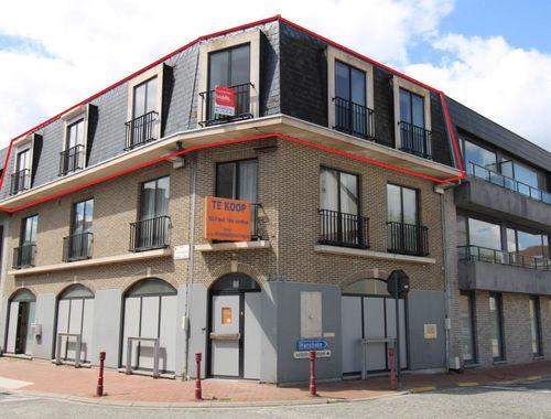 Penthouse te koop in Landegem, € 220.000