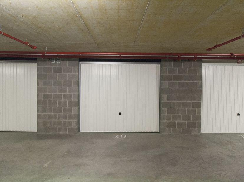 Garage à vendre                     à 2610 Wilrijk