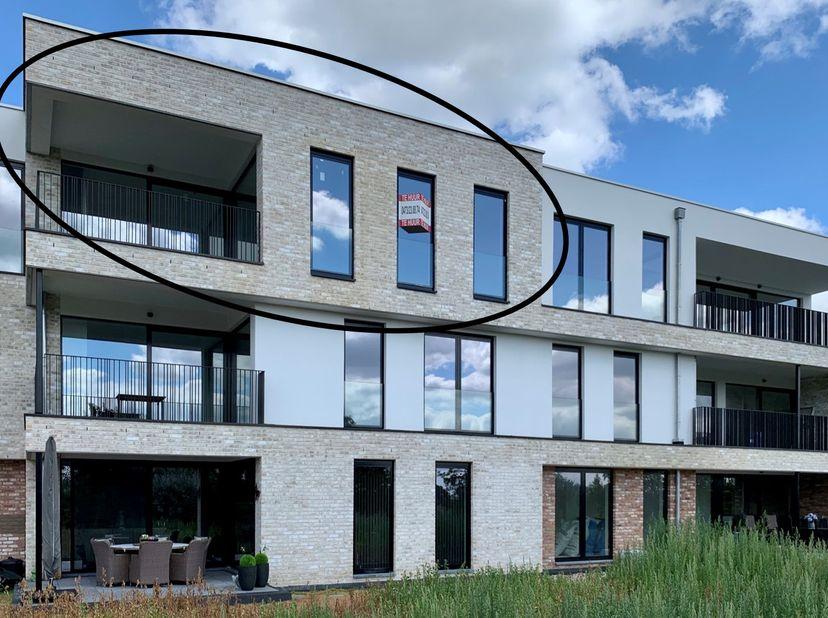 """Nieuwbouw luxe penthouse Woondomein """"Bloesempark"""" met zicht op parktuin, Broekomvallei en kasteel van Hulsberg.  Ruim terras, 2 slaapkamers, gastentoi"""