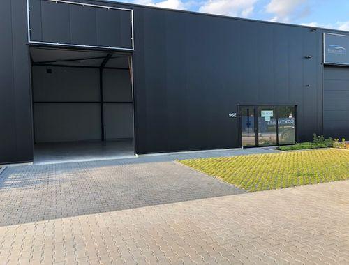 Bedrijfsgebouw te huur in Overpelt, € 850
