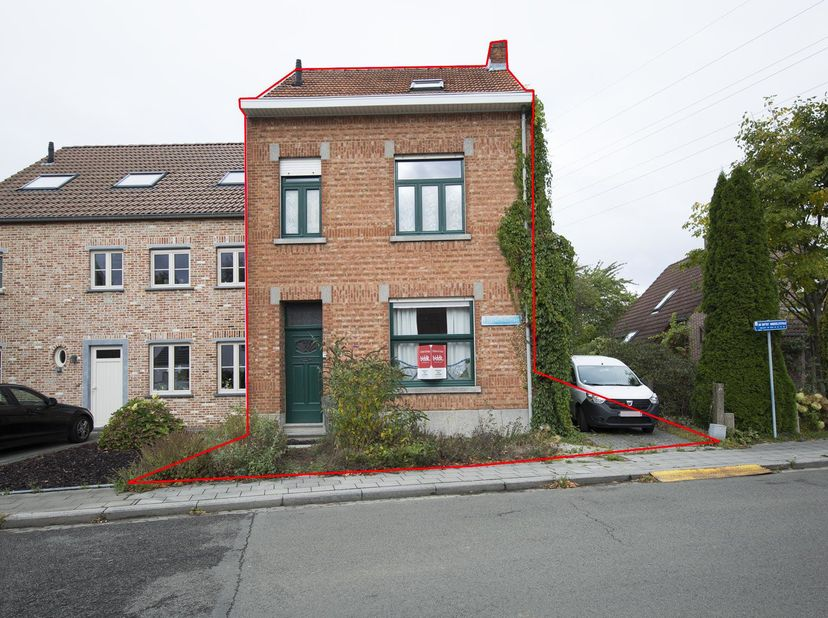 CHARMANTE WONING<br /> Een rustig doch centraal gelegen woning, gelegen te Wilsele, Nieuwe Prinsstraat 43 met grote tuin.<br /> Gekad. sectie A nr. 28