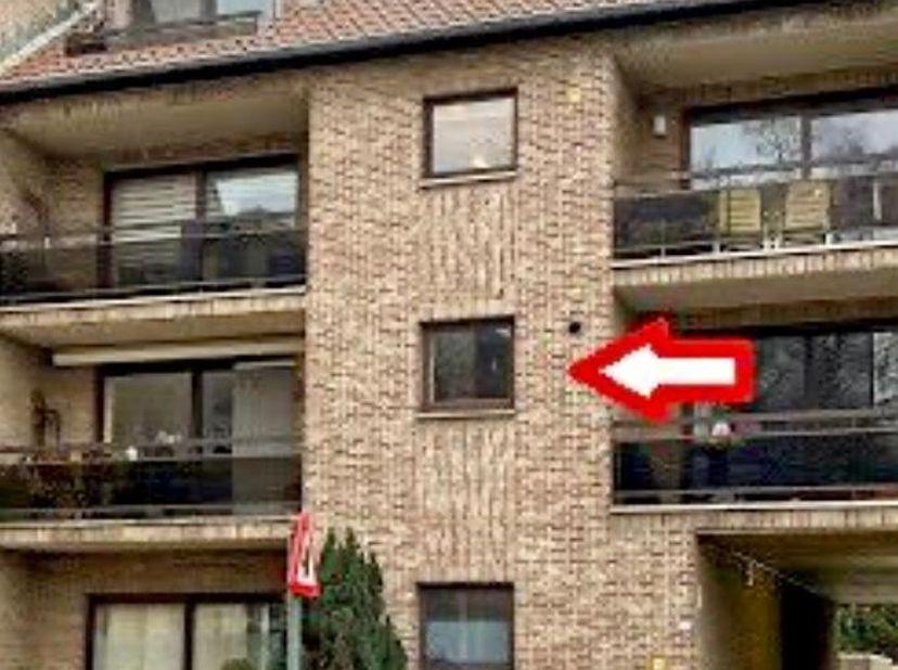 Appartement met 2 slaapkamers en garage.<br /> Gemeenschappelijke tuin.<br /> Lift aanwezig.<br /> MAKELAARS ONTHOUDEN. <br />
