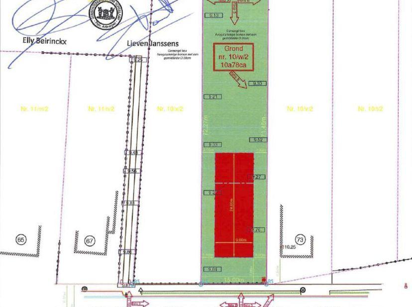 Mooi en rustig gelegen perceel bouwgrond geschikt voor open bebouwing op een perceel van 1.078 m² (sted. attest dd. 07/12/2020). <br /> De perce