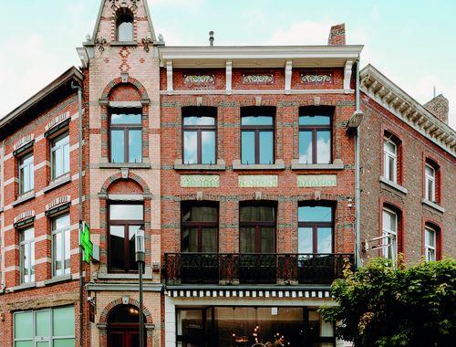 Handelspand met woonst te koop in Hasselt, € 725.000