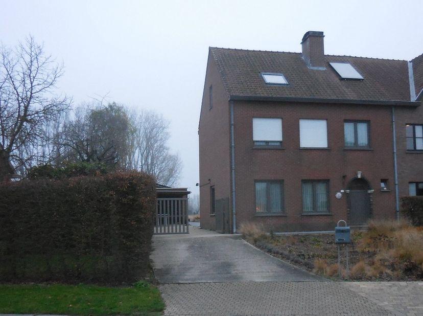 Ruime instapklare half open woning te Buggenhout, Hauwerstraat  48<br /> Ruime instapklare HOB te Buggenhout met alle modern comfort, gelegen aan de r